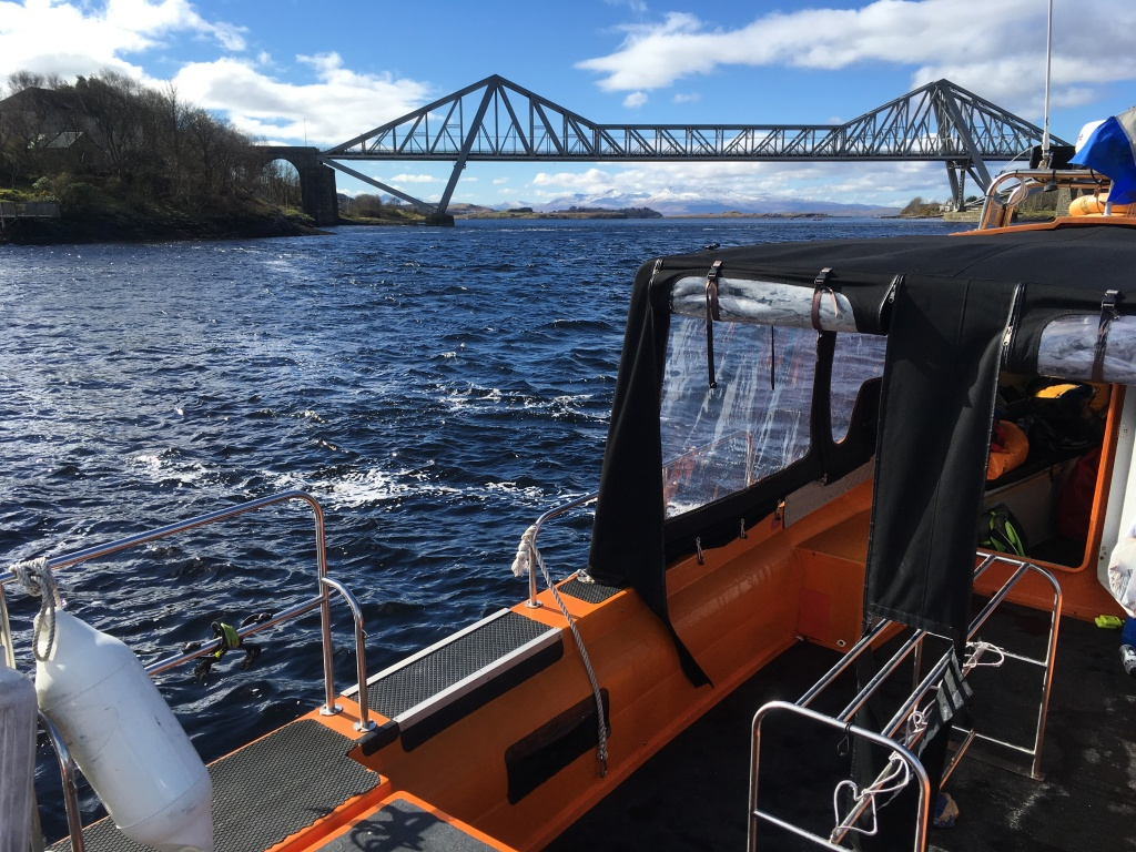 dive boat under connell bridge
